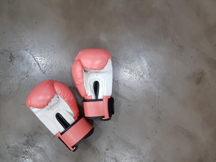"Women boxers must wear headguards for Newcastle's ""Fight Night"", whilst  men do not"